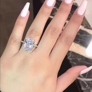 18k White Gold plated Sparkling Diamond Halo Ring